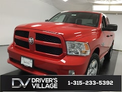 New 2019 Ram 1500 Classic EXPRESS QUAD CAB 4X4 6'4 BOX Quad Cab for Sale in Cicero, NY