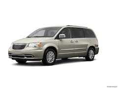 2013 Chrysler Town & Country Touring-L Minivan/Van