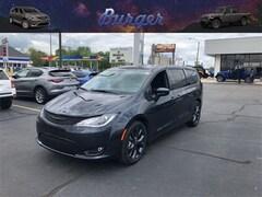2019 Chrysler Pacifica TOURING PLUS Passenger Van 19819 2C4RC1FG4KR678963 for sale near Clinton, IN