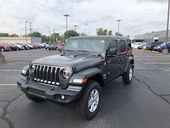 2020 Jeep Wrangler UNLIMITED SPORT S 4X4 Sport Utility 20702 1C4HJXDG9LW110434 for sale near Clinton, IN