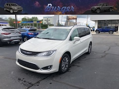 2019 Chrysler Pacifica TOURING L PLUS Passenger Van 19817 2C4RC1EG6KR669120 for sale near Clinton, IN