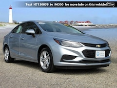 Used 2017 Chevrolet Cruze LT Sedan 1G1BE5SM5H7130858 10608P