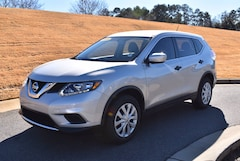 2016 Nissan Rogue S FWD  S