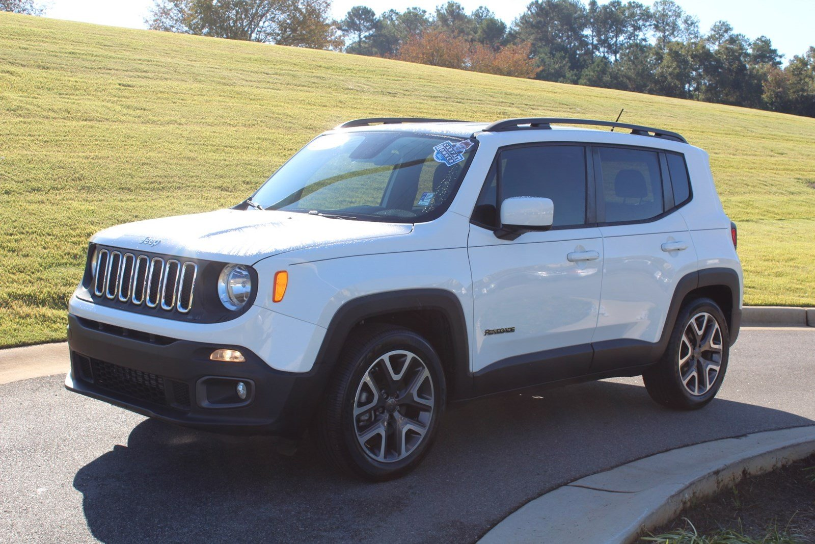 2015 Jeep Renegade Latitude FWD  Latitude