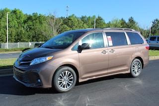 New 2019 Toyota Sienna XLE 8 Passenger Van