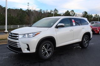 New 2019 Toyota Highlander LE I4 SUV