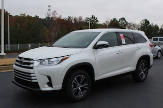 New 2019 Toyota Highlander LE I4 SUV