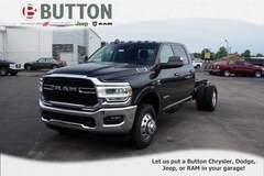 2019 Ram 3500 Chassis Cab 3500 SLT CREW CAB CHASSIS 4X4 172.4 WB Crew Cab