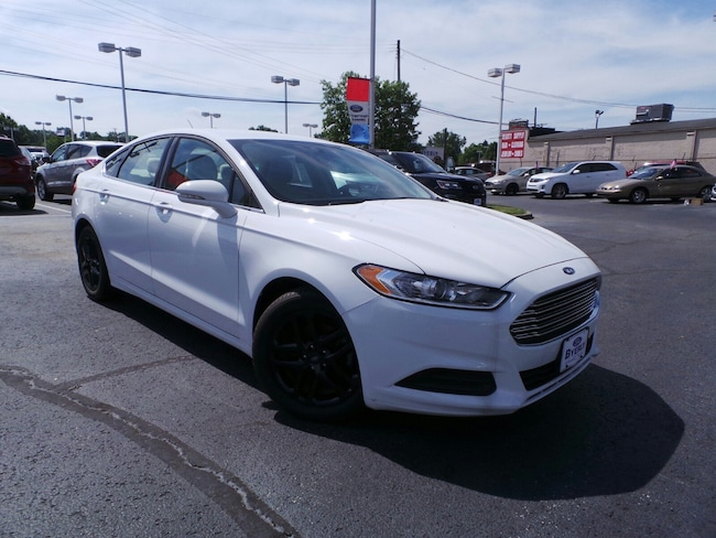Used 2016 Ford Fusion SE Sedan in Louisville, KY