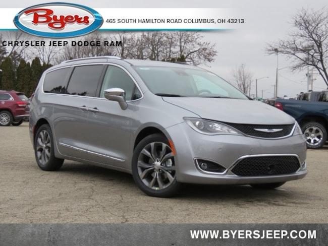 New 2020 Chrysler Pacifica LIMITED Passenger Van in Columbus