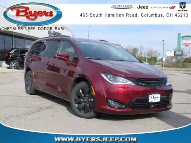 New 2019 Chrysler Pacifica Hybrid LIMITED Passenger Van in Columbus