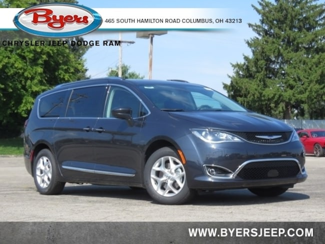 New 2020 Chrysler Pacifica TOURING L PLUS Passenger Van in Columbus