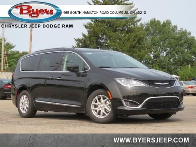 New 2020 Chrysler Pacifica TOURING L Passenger Van in Columbus