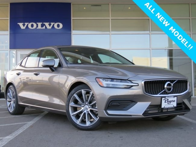 New 2019 Volvo S60 T6 Momentum Sedan in Columbus, OH