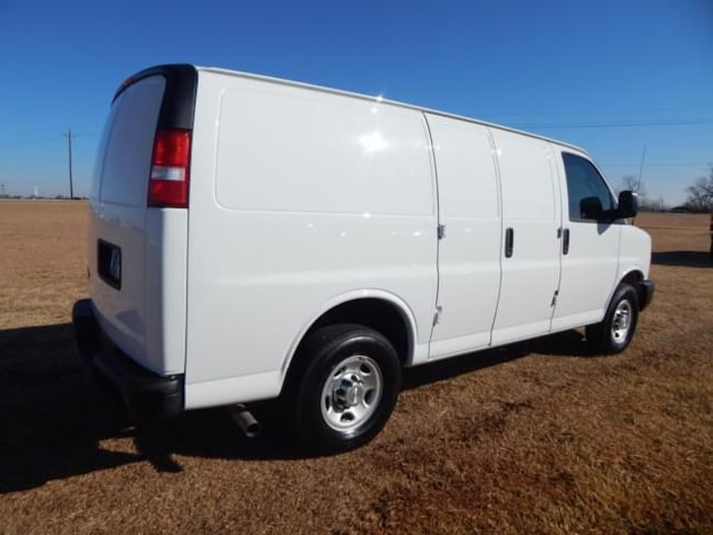 2016 chevy express 3500 oil capacity