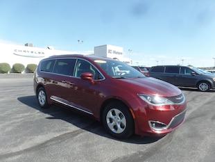 2017 Chrysler Pacifica Touring-L Plus Touring-L Plus  Mini-Van