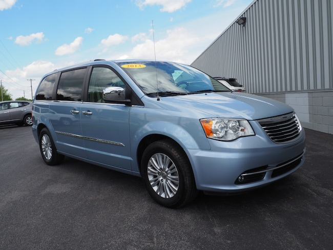 Used 2013 Chrysler Town & Country Limited Limited  Mini-Van Lewisburg, PA