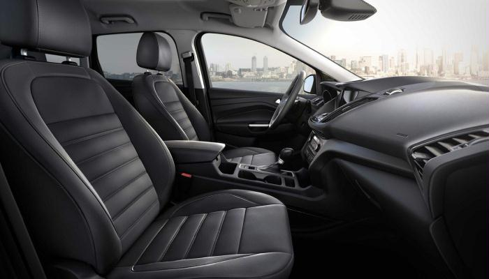 The comfortable interior of the 2019 Ford Escape