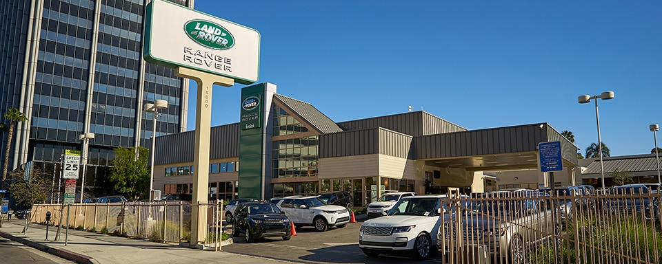 Exterior view of Land Rover Encino during the day