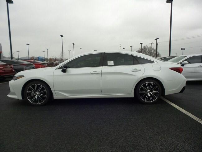 For Sale near Little Rock: New 2019 Toyota Avalon XSE Sedan