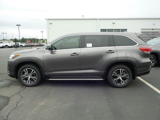New 2019 Toyota Highlander LE Plus V6 SUV Conway, AR