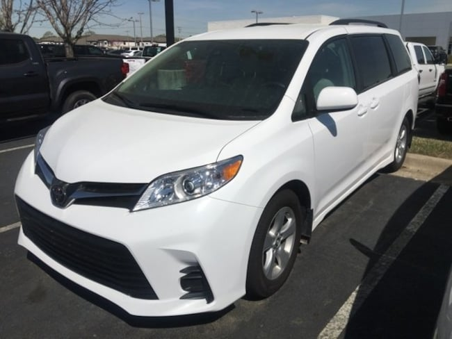 For Sale near Little Rock: Used 2018 Toyota Sienna LE 8 Passenger Van Passenger Van