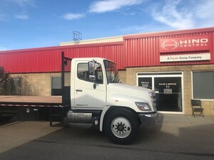 2019 HINO 338 With 24 foot deck