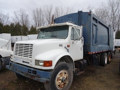 1998 INTERNATIONAL 4900i - 10 roues REBUT HEIL