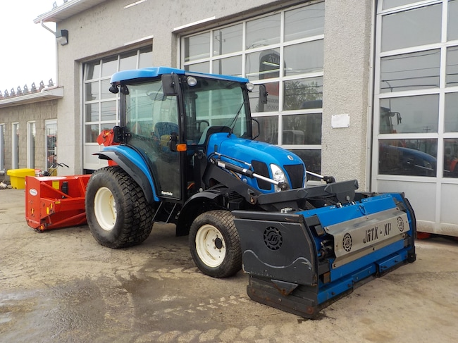 2017 New Holland BOMMER 54D Tracteur gratte souffleur .