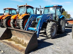 2005 New Holland TS115A DELUXE Tracteur loader .