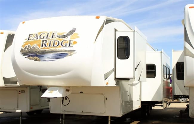 2010 HEARTLAND EAGLE RIDGE 35DSRL KIDS WILL LOVE THE LOFT SPACE IN THIS 5TH WHEEL