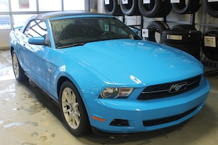 2010 Ford Mustang V6   Soft Top   Manual   Leather   Heated Seats   Convertible