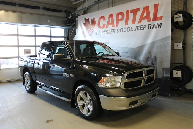 2016 Ram 1500 ST | Cloth | 6 Passenger | Side Step | Back up Cam Truck Crew Cab