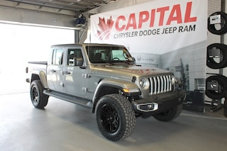 2020 Jeep Gladiator Overland | Lifted | Aftermarket Wheels and Tires | Truck Crew Cab