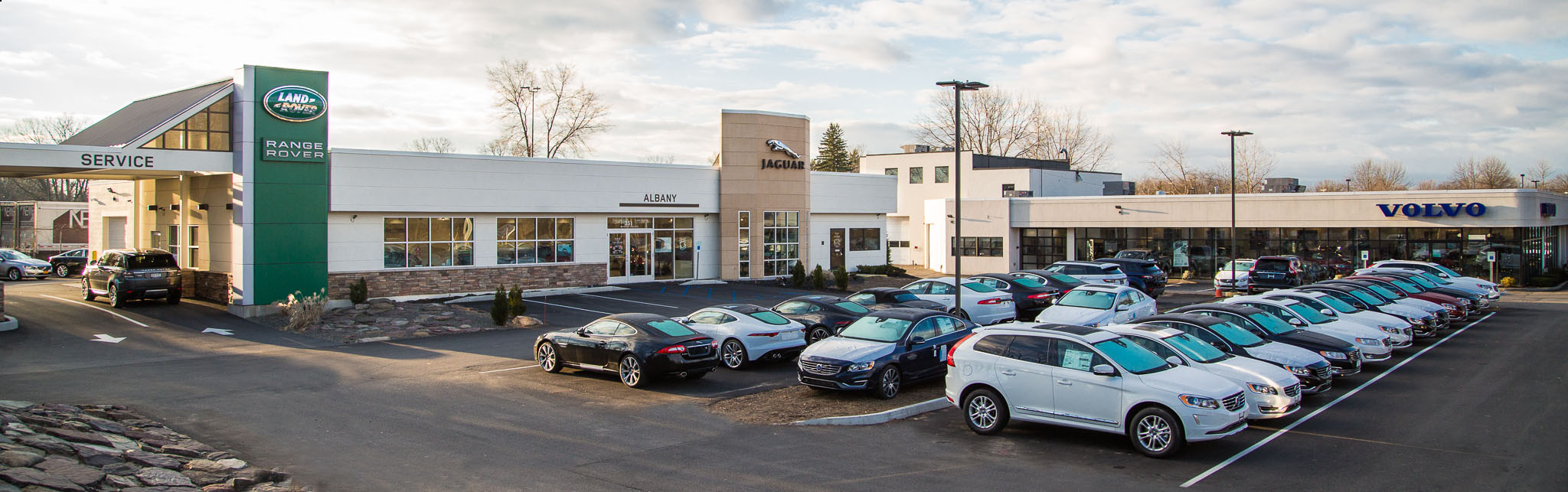 Capital Luxury Cars Jaguar Land Rover Volvo Dealership In Albany Ny