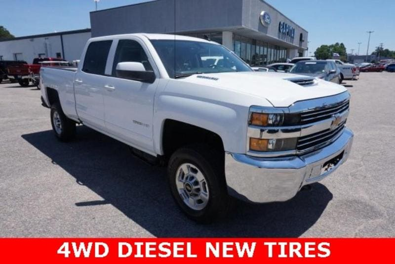 2017 Chevrolet Silverado 2500HD LT Crew Cab Short Bed Truck