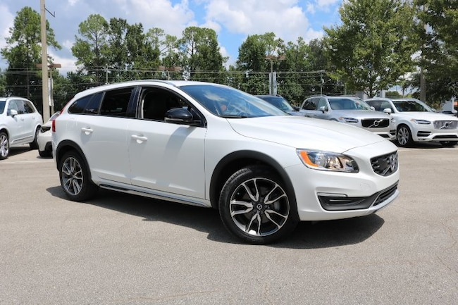 New 2017 Volvo V60 Cross Country T5 AWD Wagon in Tallahassee, FL