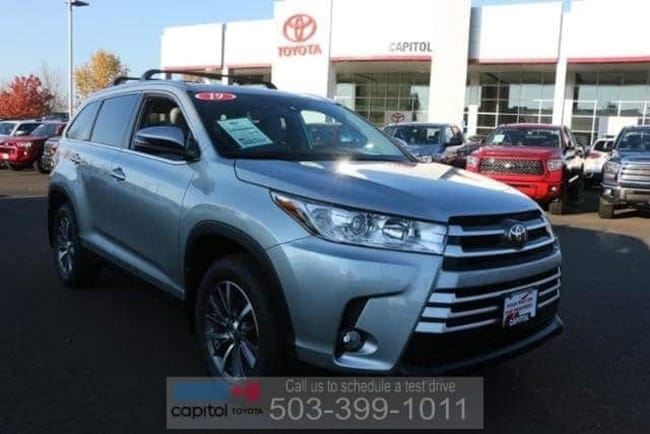 New 2019 Toyota Highlander XLE SUV 5TDJZRFH5KS567820 For Sale/Lease Salem, OR