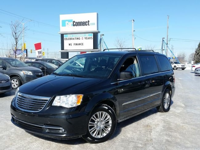 2015 Chrysler Town & Country Touring LEATHER ONLY $19 DOWN $81/WKLY!! Minivan