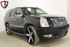 2010 CADILLAC ESCALADE - Leather| Nav| Sunroof| Factory rims and tires SUV