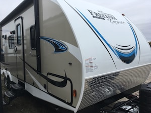 2019 COACHMEN 25SE FREEDOM EXPRESS MAKE AN OFFER? TRADES?
