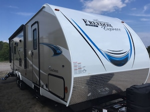 2019 COACHMEN 28.1 SE FREEDOM EXPRESS TRADES WELCOME