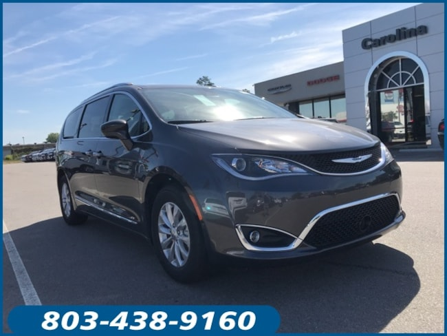 New 2019 Chrysler Pacifica TOURING L Passenger Van for Sale in Lugoff, SC