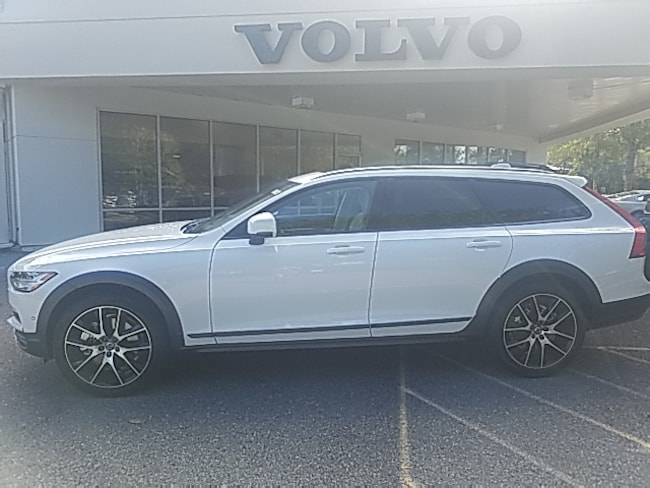 New 2018 Volvo V90 Cross Country T6 AWD Wagon in Savannah