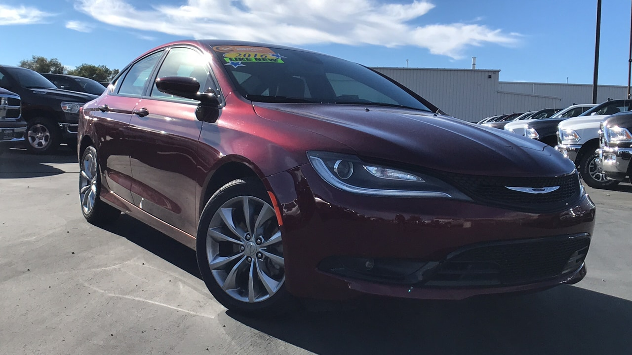 2016 Chrysler 200 S Sedan