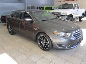 2017 Ford Taurus LIMITED AWD NAV CAMERA ONLY 10K!
