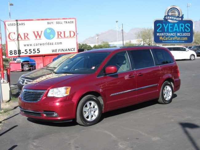 2012 Chrysler Town & Country Touring Mini-Van
