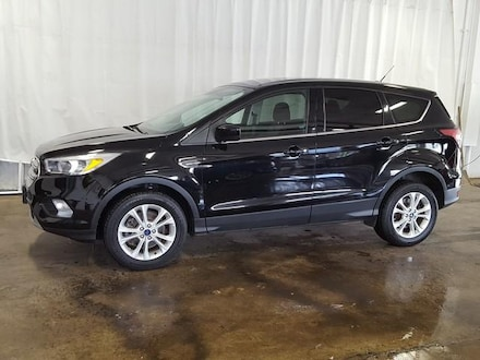 Featured Used 2017 Ford Escape SE 4WD SUV for Sale near Hudson, OH