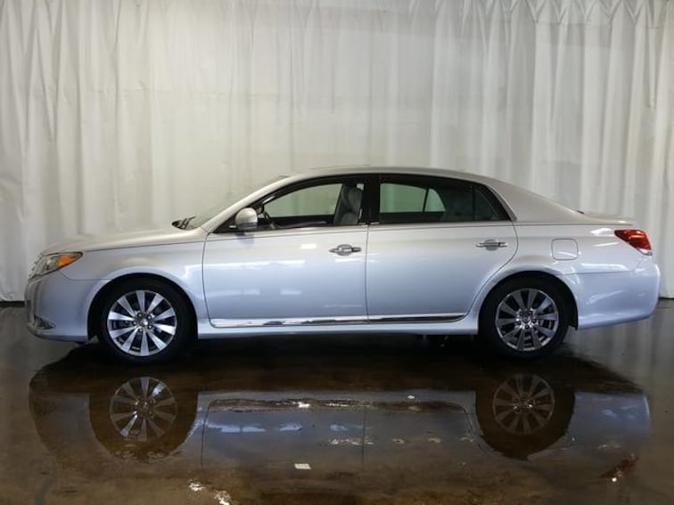 Used 2011 Toyota Avalon Sdn Sedan for sale in Cuyahoga Falls, OH