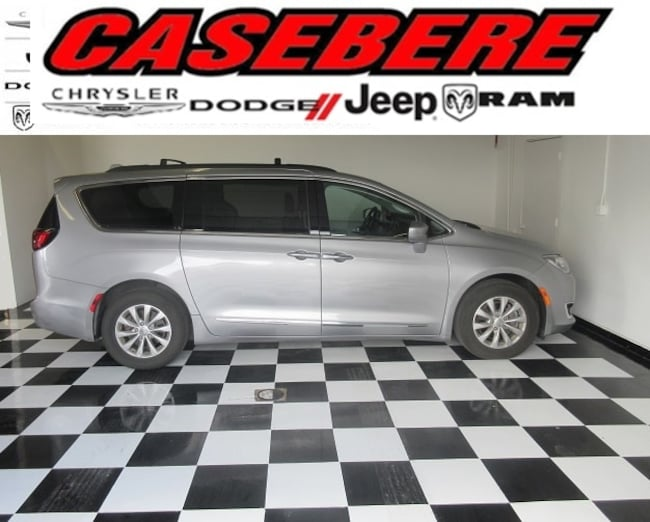 Used 2017 Chrysler Pacifica Touring-L Passenger Van for sale in Bryan OH